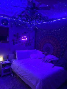 Indie Room Decor, Cute Bedroom Decor, Bedroom Decor For Teen Girls, Room Design Bedroom, Teen Room Decor, Room Ideas Bedroom, Dream Teen Bedrooms, Bedroom Inspo, Teen Bed Room Ideas