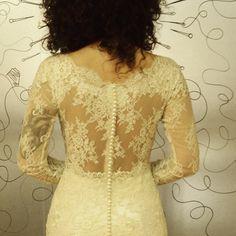 A segunda poderia começá mió? No, no.  Esse encanto cantado vai fazê todo mundo crescê os olhim.  cabradapestebh@gmail.com Lace Wedding, Wedding Dresses, Tops, Women, Fashion, The World, Vestidos, Bridal Dresses, Moda