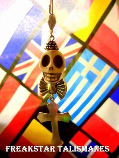 Skull solitary