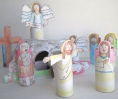 Teach kids the Easter story using a Printable Resurrection Set! **My idea.use the block play people and tape the figures to them! sunday school crafts printables Printable Resurrection Set (Religious Easter Craft For Kids! Catholic Crafts, Church Crafts, Bible Crafts, Easter Crafts For Kids, Bunny Crafts, Easter Story For Kids, Easter Stories, Children Crafts, Catholic Icing