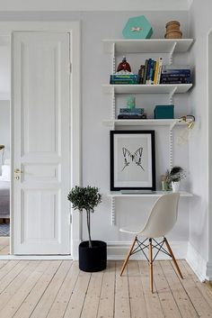 Bright and airy Swedish apartment proves small can feel spacious Scandinavian Apartment, Scandinavian Interior, Modern Interior, Interior Design, Workspace Inspiration, Interior Inspiration, Small Apartments, Small Spaces, Small Workspace