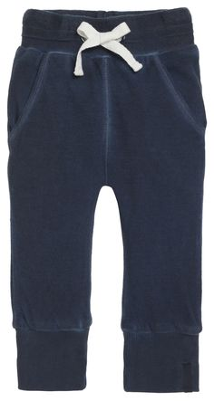 Jersey trousers Sep by Noppies. Made of 100% cotton. In a cool look because of their faded wash effect and wide cuffs at the bottom of the trouser legs. The elastic waistband allows for maximum fun and play. #noppies #babyfashion #baby #boys #girls #cutebaby www.noppies.com