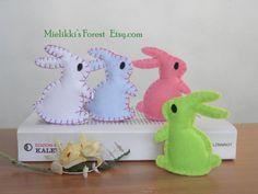 Set di 4 coniglietti in feltro. Decorazioni di MielikkisForest