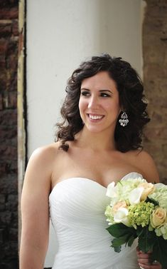 Love her simple bridal makeup and hair! See more from this modern lavender and blush wedding in the Tri-Cities by @ladonnacable! | The Pink Bride® www.thepinkbride.com