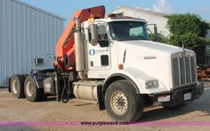 I7751.JPG - 2005 Kenworth T800 semi truck with Palfinger PK32080 knuckle boom crane , 169,460 miles on odometer ...