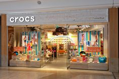 Crocs flagship store by The One Off, Greenhithe United Kingdom store design Kids Shoe Stores, Kids Store, Retail Store Design, Retail Shop, Visual Merchandising, Kindergarten Interior, Childrens Shop, Shop Lego, Interiors