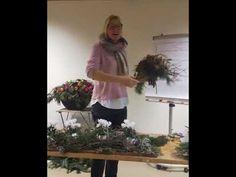 Einblick..in unsere Blumenwerkstatt Seminare Adventfloristik Plants, Work Shop Garage, Flowers, Plant, Planets