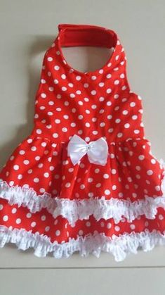 Moldes De Vestido Pet 6 Tamanhos - R$ 30,00 em Mercado Livre Cute Outfits For Kids, Kids Outfits Girls, Puppy Clothes, Doll Clothes, Small Dog Accessories, Dog Clothes Patterns, Frocks For Girls, Dog Costumes, Dog Dresses