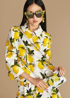 Dolce & Gabbana Summer 2016 Fashion Clothes and Accessories inside the 'Italian Summer' Women Collection. More insights on Yellow Fashion, Love Fashion, Fashion Art, High Fashion, Fashion Trends, Fashion Clothes, Dolce & Gabbana, Look Casual, Casual Chic