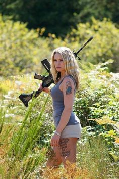 Images shared from all over the internet, mostly Guns & Babes but occasionally a few flyers. If your under you know better than looking any farther so go back to playing your video games. Military Looks, Redneck Girl, Tough Girl, Warrior Girl, N Girls, Girls Toys, Armada, Dangerous Woman, Country Girls