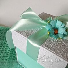 18K8/KRABIČKA/svatební na peníze bílá/mint IHNED Decorative Boxes, Gift Wrapping, Gifts, Home Decor, Self, Gift Wrapping Paper, Presents, Decoration Home, Room Decor