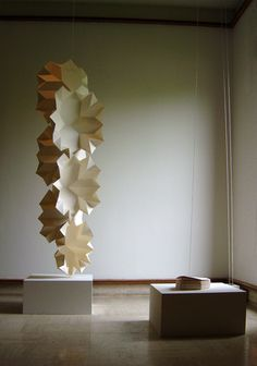 paper engineering by Matt Shlian Hanging Origami, Origami Paper Art, Paper Crafts, 3d Paper, Contemporary Sculpture, Contemporary Art, Instalation Art, Paper Engineering, Paper Artwork