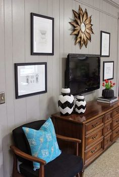 Ideas for picture placement around flat screens