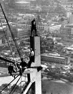 昭和毎日: 50枚の写真で振り返る東京タワーの50年 - 毎日jp(毎日新聞)  東京・港区芝に建設中の東京タワー=1958年7月、本社ヘリから撮影