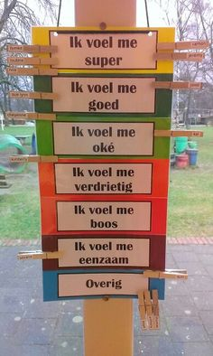 Emotie meter Classroom Organisation, Classroom Management, Coaching, Social Skills Lessons, Conscious Discipline, School Items, Positive Behavior, School Hacks, Teaching Tips