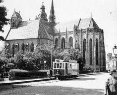 Szlovákia, Kassa, Szent Erzsébet-főszékesegyház (D... | Képcsarnok | Hungaricana Notre Dame, Cathedral, Building, Travel, Voyage, Trips, Buildings, Viajes, Destinations