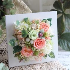 Paper Flower Art, Flower Crafts, Paper Flowers, Flower Frame, Flower Boxes, Flower Picture Frames, Flower Wall Decor, Flower Decorations, Clay Flowers