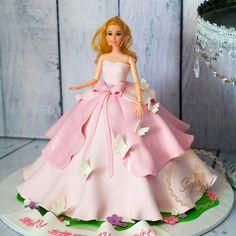 1,087 отметок «Нравится», 7 комментариев — Nigeria's Foremost Cake Blog (@247naijacakeaffairs) в Instagram: «#lovelycake designed by @sugarart_cakery #sopretty» 7 Cake, Cake Art, Cupcake Cakes, Cupcakes, Barbie Doll Birthday Cake, Birthday Cake Girls, Bolo Barbie, Fantasy Cake, Cake Blog
