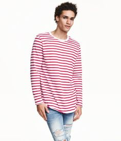 Long-sleeved T-shirt in striped cotton jersey with a seam at back, rounded hem, and overlocked edges at cuffs and hem. Red & white.   H&M Divided Guys