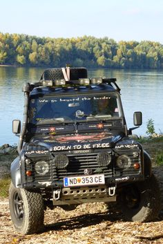 Land Rover Defender 110 Td5 Sw adventure sports and Explorer. Born to be free.