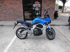 Used 2009 Kawasaki Versys Motorcycles For Sale in Florida,FL. 2009 KAWASAKI Versys, 2009 Kawasaki KLE 650, Blue, 13K, dual purpose bike, Must See, Excellent Condition, 75 motorcycles to choose from. Special motorcycle financing is available even with a low credit score, Visit Prime Motorcycles at 1045 North US Hwy.17-92 Longwood, Florida 32750. Hours: 9-5 Tues. thru Sat. After hours appointments are also accepted, Please call Chad at 321-203-4538 (anytime including weekends) for additional…