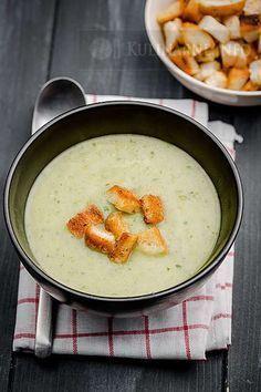 Zupa krem z selera naciowego z grzankami