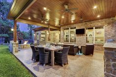 Leading townhouse back patio ideas on this favorite site Backyard Covered Patios, Covered Patio Design, Covered Back Patio, Paved Patio, Backyard Patio Designs, Patio Ideas, Pergola Patio, Pergola Ideas, Pergola Kits