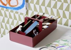 A fresh, customisable take on home offices - peka Home Office, Shelf System, Clothes Rail, Dressing Area, Wood Design, As You Like, Storage Solutions, Decorating Your Home, Decorative Boxes