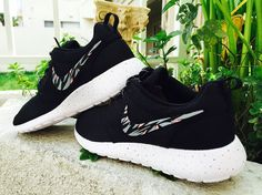 Womens Custom Nike Roshe Run sneakers, grey and pink trendy design, black and white nike roshe
