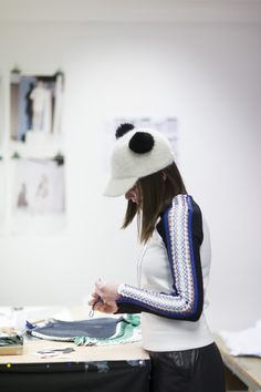 #designer #streetstyle #working #fashion Graffiti, Winter Hats, Design, Fashion, Moda, Fashion Styles, Fashion Illustrations, Graffiti Artwork