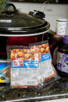 A slow cooker classic! Get this Crockpot Grape Jelly & BBQ Little Smokies Recipe! It's a keeper! A slow cooker classic! Get this Crockpot Grape Jelly & BBQ Little Smokies Recipe! It's a keeper! Crockpot Lil Smokies, Bbq Little Smokies, Little Smokies Recipes, Best Lil Smokies Recipe, Cocktail Weenies, Cocktail Sausages, Lil Smokies Recipe With Grape Jelly, Little Weenies Recipe, Crockpot Recipes