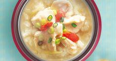 鶏肉、もち米、しょうがを使った、韓国のサムゲタン風おかゆ。しょうがが入ってほっこり温まるやさしい味わいです。 Cheeseburger Chowder, Food And Drink, Soup, Cooking, Ethnic Recipes, Rings, Vintage, Kitchen, Ring