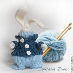 Knitted toy rabbit / Игрушка Зайка вязаный спицами,игрушка вязаная шерстяная, игрушка интерьерная, мягкая, игрушка декоративная ручной работы,  подарок на день рождения, подарок любимой, подарок ручной работы