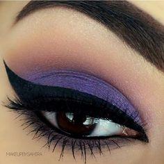 Purple eye shadow makeup