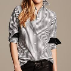 [banana republic] NWOT shirt Brand new, never worn! I purchased this shirt in 2 sizes, this one did not fit but I mistakenly took the tags off. You will love this classic addition to your closet ! SOLD OUT in stores. Stock photo courtesy of Lyst.com Banana Republic Tops Button Down Shirts