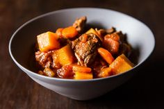 Lamb Stew with Butternut Squash -> perfectl Paleo when using ghee or coconut oil instead of vegetable oil