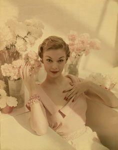 Jean Patchett - model, 1950