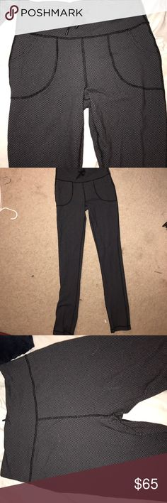 Skinny Will Pant Lululemon These are gray/black print pants from lululemon. They are in really good condition but have been worn before. There is barely any Lint in between the thighs and none on the butt. lululemon athletica Pants Leggings