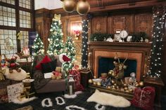 house of fraser santa's grotto 2018 glasgow Christmas Lodge, Cosy Christmas, Rustic Christmas, Christmas Crafts, Christmas Decorations, Holiday Decor, House Of Fraser, Days Out, Glasgow