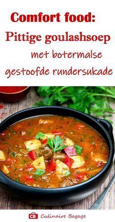 Zelf goulashsoep maken? Dat is heel makkelijk! Zeker met dit recept! De soep is gevuld met botermalse stukjes draadjesvlees, paprikareepjes en aardappelblokjes. Je maakt hem op smaak met typisch Hongaarse kruiden en specerijen. Smullen! #soep #goulashsoep #goulash #culinairebagage #soeprecept #hongaarsrecept #aardappel #paprika #tomaat #pimenton #kummel #voorgerecht #maaltijdsoep #lunchgerecht #winterrecept #pittigesoep