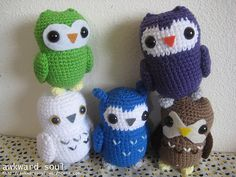 Love Owls? Need a couple owl friends to add some mischief into your life? This Owl amigurumi crochet pattern is simple to follow with 3 head shape variations and two face options, so you can make your own custom owl!
