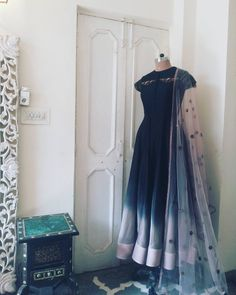 Sleek it up with Black Designer Anarkali Dresses, Designer Party Wear Dresses, Kurti Designs Party Wear, Pakistani Formal Dresses, Indian Gowns Dresses, Indian Wedding Outfits, Indian Outfits, Pakistani Outfits, Long Gown Dress