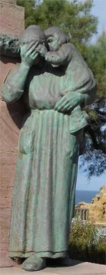 Monument aux morts à Biarritz. Pyrenees-Atlantiques