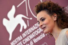 Maria Roveran. #venezia70 #mostradelcinema #curly #hair #medium #capelli #medi #ricci #haircut #hairstyle