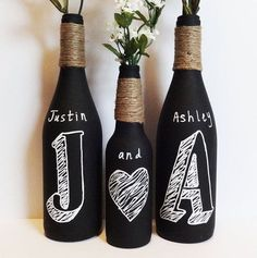 Ideas for wedding centerpieces diy wine bottles chalkboard paint Wine Bottle Art, Wine Bottle Crafts, Diy Bottle, Bottle Vase, Wine Craft, Arts And Crafts, Diy Crafts, Cork Crafts, Shell Crafts