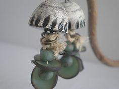 boucles d'oreilles rustiques petits disques verts kaki : Boucles d'oreille par lolitoi-fimo