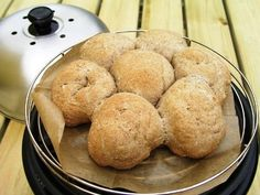 Brood bakken op de camping? De Cobb, voor vers gebakken (glutenvrij) brood voor op de camping, op de boot of gewoon lekker thuis in de tuin!