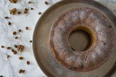 Walnut Bundt Cake Traditional Cakes, Easter Holidays, Raisin, Doughnut, Baking, Alps, Desserts, Food, Chef Recipes