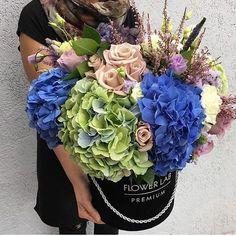 #הזמנות#משלוחים#פרחים#זרים#זריכלה #זריראש #זריםבקופסאות #labflowerisrael #flowerlab #style #TLV #israel #