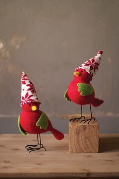 Kalalou Red And Green Felt Birds With Hats And Wire Legs - Set Of 6 - This cute little felt duo with their winter hats and tiny yellow beaks are the perfecft piece of holiday flair to add to your home this season!